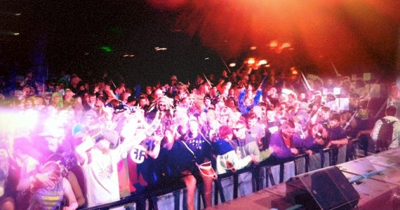 glade-crowd2